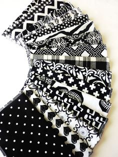 These are so vivid, the patterns just pop right off the fabric!~ A little modern, a little funky, a lot of fun!  Set of 10 Everyday Napkins / Reusable Paper Towels made from 100% cotton flannel. You will get a set of ten in a wonderful variety, there are lots of fantastic black and white patterns to choose from, there are new ones arriving all the time the pictures above are just a slice of the many amazing contrasting patterns available. Your set will be a lovely combination of white ba...