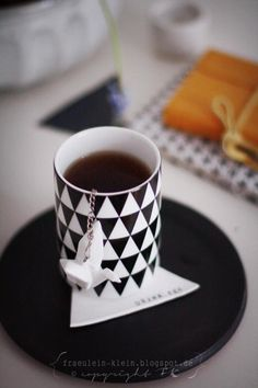 DIY geometric tea coasters | via Fräulein Klein