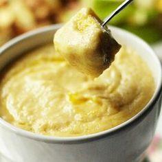 Cheese Fondue The Melting Pot, Fondue Recipes, Dip Recipes, Dinner Recipes, Vegan Recipes, Snack Recipes, Beer Cheese, Gruyere Cheese, Swiss Cheese