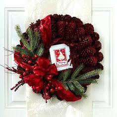 Weihnachten Basteln-Türkranz Dekorieren-Tannenzapfen Tannenzweigen Bastelideen