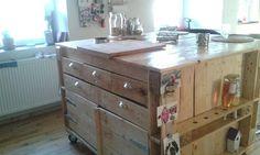 Furniture pallets  kitchen island by Daskunsthaus on Etsy