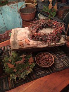 Primitive Christmas Decorating, Primitive Country Christmas, Country Christmas Trees, Cabin Christmas, Autumn Decorating, Rustic Christmas, Simple Christmas, All Things Christmas, Christmas Time