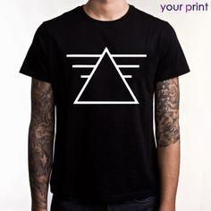 Футболка черная - принт треугольник  / Blsack t-shirt - print Triangles