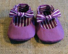 Ruffy Baby Shoes PDF Pattern Newborn to 18 by littleshoespattern