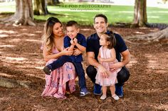 Sweet Sibling & Family Photos Outdoors