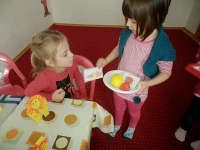 Games to play with preschoolers who are learning English