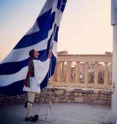 Zorba The Greek, Greek Soldier, Empire Ottoman, Greece Pictures, Greek Flag, Visit Turkey, Greek Beauty, Greece Islands, Parthenon