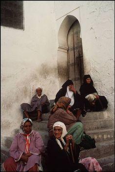 Morocco. Fez street scene, 1985  - Maroc Désert Expérience http://www.marocdesertexperience.com