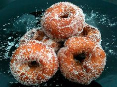 ::Rosquillas caseras, jugosas y esponjosas:: Bakery Recipes, Donut Recipes, Mexican Food Recipes, Sweet Recipes, Pan Cookies, Yummy Cookies, Donuts, Beignets, Spanish Dishes