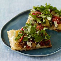 w/ Onions, Roasted Red Peppers, Sun-Dried Tomatoes, Baby Arugula & Blue Cheese Crumbles {phyllo crust}