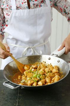 Healthy homemade orange chicken recipe. This EASY recipe is fast enough to be a weeknight dinner. Everyone loves meals like this, a simple take on the chinese food (hey panda express) takeout classic! For this crowd pleasing fresh stir fry, you'll need an orange or two for the sauce, garlic, honey, zest, soy sauce, rice vinegar, cornstarch, ginger, chicken breasts or thighs, scallions.