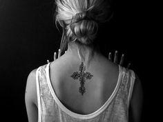 Womens+flower+&+celtic+cross+tattoo+on+back