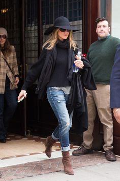 El Secreto Que Hay Detrás Del Estilo Effortless Chic De Jennifer Aniston | Cut & Paste – Blog de Moda