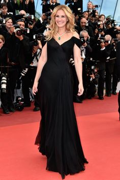 Julia Roberts looked every bit the movie star she is in a black off-the-shoulder Armani Privé gown and Chopard jewels at the Money Monster premiere.