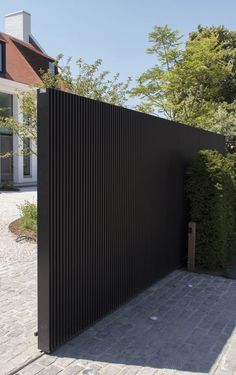 40 Spectacular Front Gate Ideas and Designs — RenoGuide - Australian Renovation Ideas and Inspiration 40 Spectacular Front Gate Ideas and Designs Front Gate Design, Main Gate Design, House Gate Design, Door Gate Design, Fence Design, Aluminum Driveway Gates, Aluminium Gates, Modern Driveway, Modern Fence