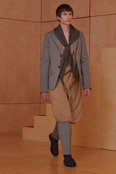 See the complete Acne Studios Fall 2016 Menswear collection.