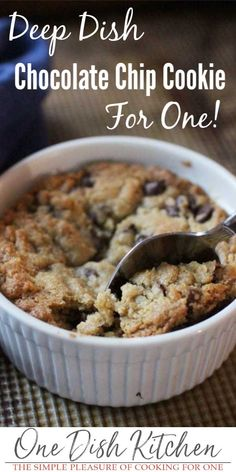 This is the BEST chocolate chip cookie recipe! Buttery, crisp edges and a warm, gooey center, this deep dish chocolate chip cookie can be baked in a ramekin and eaten with a spoon or baked on a cookie Mug Recipes, Easy Cookie Recipes, Easy Desserts, Delicious Desserts, Dessert Recipes, Yummy Food, Quick Dessert, Healthy Food, Single Serve Desserts