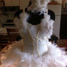 WHITE SWAN :: Halloween 2011