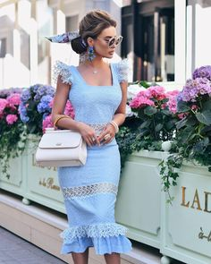 Stylish Dresses, Fashion Dresses, Women's Fashion, Dress Skirt, Lace Skirt, Ladies Who Lunch, Lace Detail, Celebrity Style, Creations