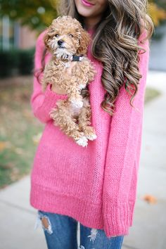 Pink oversized sweater and destroyed jeans! Fall outfit and fall style