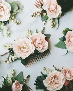 Floral hair combs for the bridesmaids!