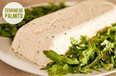 Receita:Dedo de Moça|Foto: Carol Milano Rendimento:10 porções Ingredientes - 8 folhas de gelatina em folha incolor - 220ml de leite integral - 2 vidros
