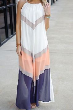 Love this color combo and shape. Looks so comfy