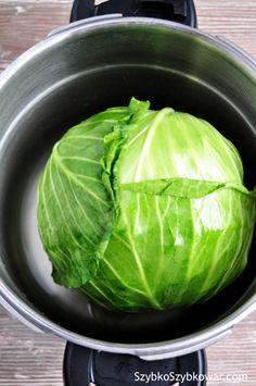 Główka młodej kapusty przed obgotowaniem. Cabbage Rolls Polish, Polish Recipes, Polish Food, Sandwich Cake, Sous Vide, Spring Rolls, Pressure Cooking, Cooker, Food And Drink