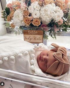 Newborn Baby Photos, Newborn Baby Photography, Baby Girl Newborn, Baby Hospital Pictures, Baby Pictures, Baby Hospital Outfits, Baby Name Announcement, Cute Baby Names, Dream Baby