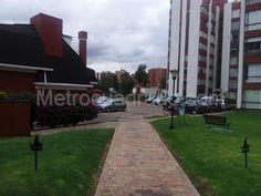 Apartamento en venta en , Bogotá D.C. Sidewalk, Real Estate, Apartments, Side Walkway, Walkway, Walkways, Pavement