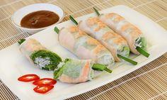 25 Must-Taste Dishes in Vietnam - Food you should try - Vietmanese food - Vietnamese Vietnamese Cuisine, Vietnamese Recipes, Asian Recipes, Ethnic Recipes, Banh Xeo, Viet Food, Lumpia, Gordon Ramsay, Tempura