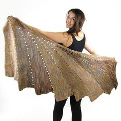 #FreePattern SKEINO's so very popular Arabella Line has been given another addition with the wonderful Arabella Swirl Shawl.
