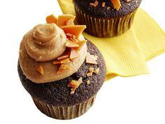 Chocolate peanut brittle cupcake