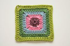 How to crochet a solid Granny Square.