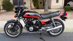 Honda Cb750, Honda Motorcycles, Motorcycle Racers, Supersport, Hot Bikes, Mini Bike, Bike Trails, Hot Cars, Classic
