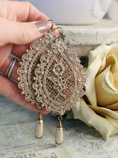 VICTORIAN LACE romantic vintage fantasy inspired antique lace and pearl earrings, free gift box Vintage Accessories, Vintage Jewelry, Jewelry Accessories, Handmade Jewelry, Jewelry Design, Vintage Earrings, Victorian Lace, Antique Lace, Vintage Lace