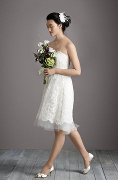 Charming vintage-inspired lace wedding dress