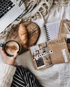 Art journaling, coffee latte, croissant and a comfy bed momento cafe, coffe Cozy Aesthetic, Autumn Aesthetic, Aesthetic Coffee, Flat Lay Photography, Coffee Photography, Photography Books, Coffee Break, Coffee Time, Book And Coffee