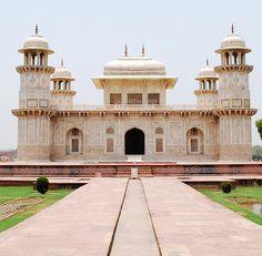 Itmad-ud-Daulah, Agra, Uttar Pradesh, India