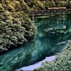 山映る / Mountain is refrected - My Photos, Mac, River, Mountains, Green, Pictures, Outdoor, The Great Outdoors, Rivers
