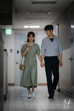 One Spring Night (봄밤) - Drama - Picture Gallery Han Ji Min, Foto Wedding, Kim Joon, Night Pictures, Love Couple, Drama Movies, Korean Drama, Future Husband, Normcore