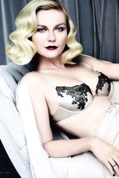 Kirsten channeled 1920s allure for Vanity Fair. [Photo: Vanity Fair Magazine]