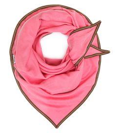 De Cupro Uni sjaal van POM Amsterdam is een elegante sjaal waarbij het patroon in de sjaal is geweven.