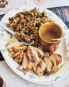 Arguably the best side on the Turkey Day table, stuffing (or dressing) can be made in a million ways. Here are the 40 best Thanksgiving dressing and stuffing recipes to try. Thanksgiving Gravy, Thanksgiving Dressing, Easy Thanksgiving Recipes, Thanksgiving Side Dishes, Hosting Thanksgiving, Christmas Recipes, Holiday Recipes, Sweet Potato And Apple, Roast Turkey Breast