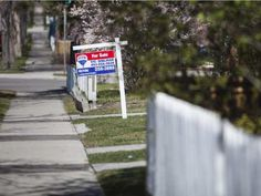 Plunging oil prices boosted housing affordability in Calgary during the first quarter of says RBC Economics.