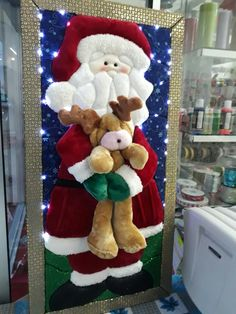 Christmas 2019 : Felt Christmas decorations on wooden frames Felt Christmas Decorations, Christmas Ornaments To Make, Noel Christmas, Felt Ornaments, Elegant Christmas, Christmas 2019, Christmas Stockings, Holiday Decor, Christmas Activities