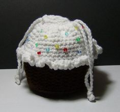 Crocheted Chocolate Cupcake Purse with Sprinkles -- I may need to make a whole dozen of these for all the sweet little girls in my life!