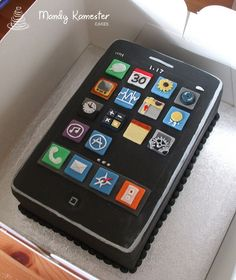 Ooh, I had fun with this one! All of the apps are made by hand and took ages. but the end result was worth it. Boy 16th Birthday, 10 Birthday Cake, Birthday Cakes For Teens, Cake Decorating Frosting, Cupcake Frosting, Cupcake Cakes, Teen Cakes, Girl Cakes, Ipad Cake