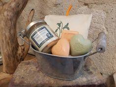 Coffret de 4 savons artsanaux,bougie végétale à la cire de soja ,suspension en coton pour armoire Orange/cannelle,bassine en zinc, cadeau de la boutique PtiteNature sur Etsy
