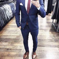 Blue Suit Brown Shoes, Blue Suit Men, Brown Dress Shoes, Navy Suits, Blue Brown, Dark Blue Suit, Tan Shoes, Mode Masculine, Mens Fashion Suits